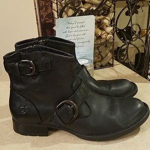 Born ankle leather booties size 6.5